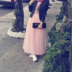 Soft pink modesty
