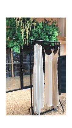HALCYON HALCYON Installation   #halcyonhalcyon#floralinstallation #weddingflowers #minimalbride #design #fashion #flowers #floraldesign#flowerstagram#instaflowers #floristry#design#localflorist#floralfix #londonflorist#designedbynature#nature #underthefloralspell#weddings#events #bespoke#eventprof#eventflorist#london #crouchend#blooms#wedding2019 #weddingbouquet#rocknrollbride #centrepiece#tablearrangement #bridebookflowers#weddingflowers Floral Event Design, Floral Designs, Wedding Bouquets, Wedding Flowers, Bride Book, Local Florist, North London, Table Arrangements, Centre Pieces