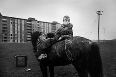 A boy lives a racehorse life on the streets of Dublin, but struggles to break out of his routine when it becomes too much. Narrative Photography, Portrait Photography, Photo Black, Old Pictures, White Photography, Buy Art, Paper Art, Photo Art, Documentaries