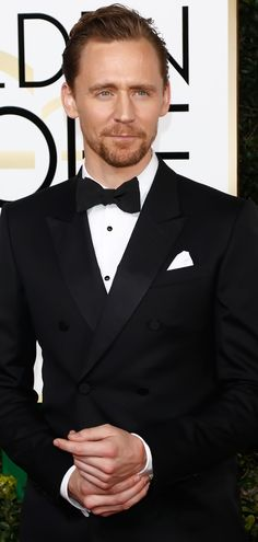 Tom Hiddleston at the 74th Annual Golden Globe Awards | Arrivals - 8th January 2017. Source: http://tomhiddleston.us/gallery/thumbnails.php?album=874 Full size image: http://tomhiddleston.us/gallery/albums/2017/Events/Jan8thArrivals/016.jpg
