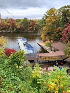 Amy's Creative Pursuits: A Fall Ride On The Upper Dells Boat Tour