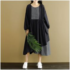 Image of Women Fashion Loose Black Stitching Dress Q2251
