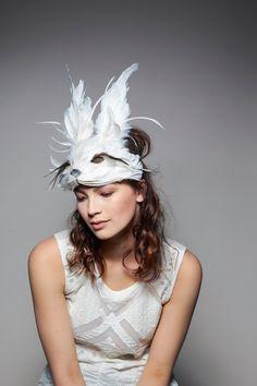 Blanc Lapin De Pâques lapin mascotte adulte Costume Gilet livré avec 2 Strass