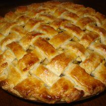 I love making apple pie at Christmas, while it is time for dinner while baking the delicious aroma of the apple and cinnamon flood our home, and it is an exquisite dessert to enjoy together on that special day. Yummy Recipes, Apple Recipes, Mexican Food Recipes, Sweet Recipes, Cooking Recipes, Great Desserts, Delicious Desserts, Best Fried Chicken Recipe, Making Apple Pie