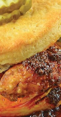 Nashville Hot Chicken Sliders are perfect as a dinner or appetizer. Crispy fried chicken dredged in spicy sauce served on buttermilk biscuits with pickles. Wrap Recipes, Lunch Recipes, Drink Recipes, Yummy Recipes, Sports Food, Tailgate Food, Best Sandwich, Game Day Food, Wrap Sandwiches
