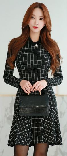 StyleOnme_Grid Print Mermaid Hem Dress #black #white #dress #falltrend #koreanfashion #elegant #kstyle #seoul
