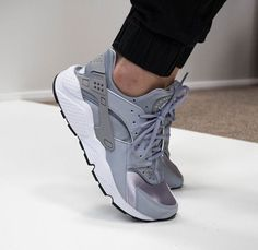 NIKE | Air Huarache | Grey