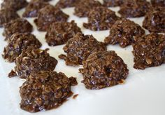 Peanut butter and corn chip no bake cookies only need four ingredients! They are simple yet delicious cookies. I have heard them called Kookie Cookies! Clean Eating Desserts, Köstliche Desserts, Delicious Desserts, Dessert Recipes, Yummy Food, No Bake Cookies, Oatmeal Cookies, Cupcake Cookies, Baking Cookies