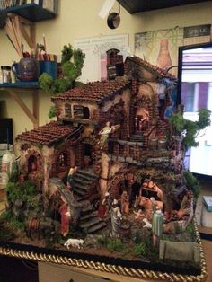 Pin by Katja Konga on Miniature t Diorama Nativity and Artigianato Natalizio, Decorazioni Di Natale, Ornamenti Natalizi, Villaggio Di Hallow… Nativity Creche, Christmas Nativity Scene, Christmas Villages, Christmas Crib Ideas, Christmas Wood, Christmas Crafts, Xmas, Christmas Decorations, Vitrine Miniature
