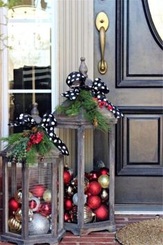 DIY Outdoor Christmas Decor On A Budget 26
