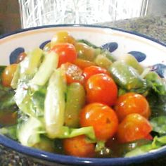 My BLCT Salad. Mix of Belimbing Wuluh (latin : averrhoa bilimbi), Lettuce and Cherry Tomato, dressing with lemon + sea salt + soya oil + grated ginger. Yum !!