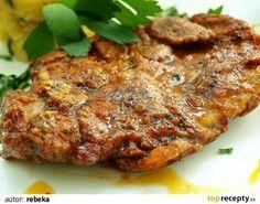 Plátky masa si naklepeme a naložíme do směsy připravené z uvedených surovin.A dáme do lednice na 24h odležet.  Poté smažíme na oleji jako... Czech Recipes, Russian Recipes, Ethnic Recipes, Top Recipes, Meat Recipes, Cooking Recipes, European Dishes, Turkey Meatloaf, Pork Tenderloin Recipes