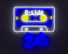 Resultat d'imatges de cassette neon