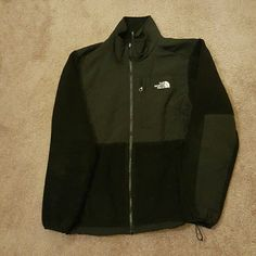 North Face Denali Jacket Black North Face fleece denali jacket. Size Large. All zippers are in good working order. Well loved and free of any stains or blemishes. No trades North Face Jackets & Coats