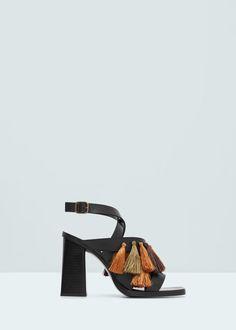 Sandalia piel borlas - Zapatos de Mujer   MANGO España