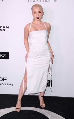 Dove Cameron – Harper's Bazaar 150 Most Fashionable Woman Cocktail Party in LA Dove Cameron Style, Outfits and Clothes. Dove Cameron Style, Celebrity Halloween Costumes, Swagg, Fashion Women, White Dress, Hollywood, Celebs, Cocktail, Outfits