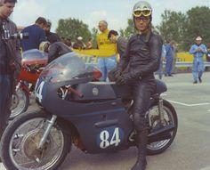 Classic Race Fairing Old School Motorcycles, Racing Motorcycles, Vintage Motorcycles, Motorcycle Photography, Biker Style, Vintage Racing, Bobber, Chopper, Pilot