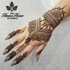Beautiful Mehndi Design - Browse thousand of beautiful mehndi desings for your hands and feet. Here you will be find best mehndi design for every place and occastion. Quickly save your favorite Mehendi design images and pictures on the HappyShappy app. Henna Hand Designs, Mehndi Designs For Girls, Mehndi Designs For Fingers, Beautiful Henna Designs, Mehndi Art Designs, Latest Mehndi Designs, Henna Tattoo Designs, Bridal Mehndi Designs, Henna Patterns Hand