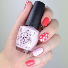 Getting dotty with it! We <3 this pink and red nail art mani, do you?