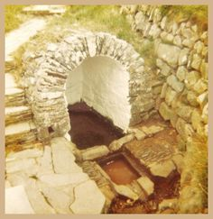 St Non's Holy Well, Pembrokeshire. The well sprang forth on the spot of St David's birth. Welsh Cawl, Cymric, Water Sources, Strange Places, Wishing Well, Spring Home, Caves, Holi, Fathers