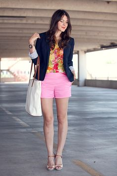 shorts + button up shirt + blazer = awesome summer outfit // Kendi Everyday