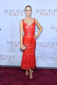 Emily Blunt Leather Dress - Emily Blunt was a style standout in a red leather dress with a lace hem at the world premiere of 'A Quiet Place Part II. Celebrity Style Casual, Celebrity Style Inspiration, Celebrity Dresses, Emily Blunt, Mira Duma, Katherine Mcnamara, Miroslava Duma, Red Leather Dress, Curvy Petite Fashion