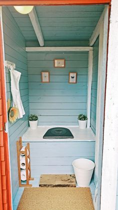 Outhouse Bathroom, Lake House Bathroom, Outhouse Decor, Outhouse Ideas, Ranch Kitchen Remodel, Ikea Kitchen Remodel, Basement Remodel Diy, Outside Toilet, Outdoor Toilet