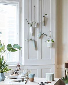 Hangend vaasje wit glazuur - Hübsch