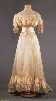 SILK & BRUSSELS LACE WEDDING GOWN, NYC, 1902    May 8, 2018 - CATALOG SALE  Sturbridge, Massachusetts