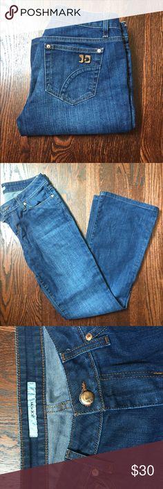 "Joes boot cut jeans Honey fit, boot cut ""Hale"" wash 98% cotton, 2% elastane, worn twice, no wear on leg bottoms( see pic) Joe's Jeans Jeans Boot Cut"