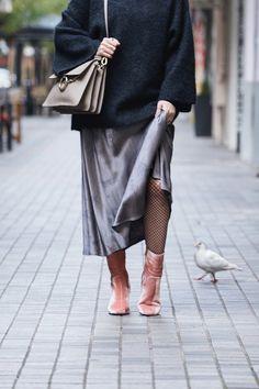 Pink Velvet Boots & Chloe Faye Bag