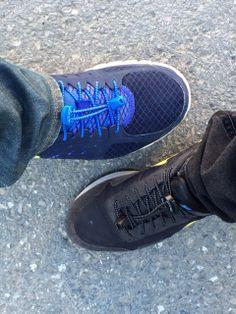 Pazar gezisine hazırız. Spor ayakkabıları çektik. | Alpay Başaran