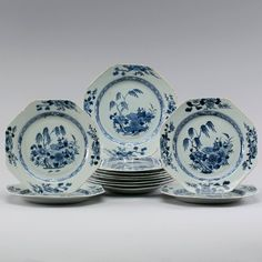 Set de 12 pratos em porcelana Chinesa de Cia das Indias do sec.18th, Periodo Qianlong, 23cm de diametro, 3,490 USD / 3,040 EUROS / 12,370 REAIS / 22,640 CHINESE YUAN soulcariocantiques.tictail.com