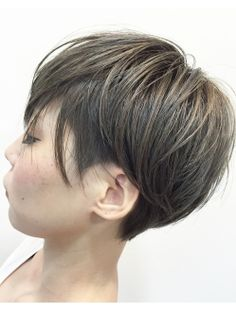 This Pin was discovered by Ann Short Hair Cuts For Women, Short Hair Styles, Short Bob Hairstyles, Cool Hairstyles, Pelo Popular, Asian Short Hair, Cabello Hair, Haircut And Color, Hair 2018