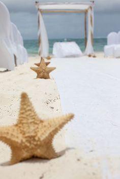 Beach Wedding Inspiration: Ceremony Décor - Isle