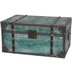 Distressed Wooden Trunk (china)