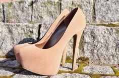 Hot diggity damn high heels