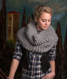 Rendezvous Knit Cowl Free Knitting Pattern from Red Heart Yarns