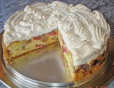 Rhabarber – Baiser – Kuchen Rhubarb meringue cake, a refined recipe from the cakes category. Cakey Brownie Recipe, Brownies Recipe No Butter, Brownie Recipes, Cake Recipes, Chewy Brownies, Cake Mix Brownies, Nutella Brownies, Rhubarb Meringue, Meringue Cake