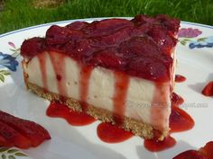 Strawberry Cheesecake - absolutely amazing!  #vegan