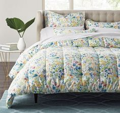 Aura Sateen Comforter | The Company Store