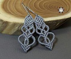 Silver heart pattern macrame micro-macrame earring from Macramotiv