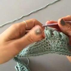 Crochet Basket Pattern, Crochet Flower Patterns, Crochet Motif, Crochet Designs, Crochet Flowers, Knit Crochet, Bobble Stitch Crochet, Easy Crochet Hat, Crochet Geek