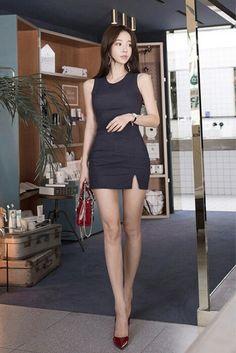 Colorful Fashion, Asian Fashion, Girl Fashion, Beautiful Asian Women, Beautiful Legs, Cute Asian Girls, Emo Girls, Sexy Legs, Sexy Outfits