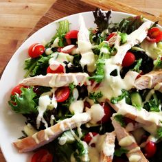 Flynn Bridges Chicken with Herbed Yoghurt & Salad - delicious & the dressing is super zingy! Low Calorie Snacks, Low Calorie Recipes, Healthy Recipes, Skinny Meals, Skinny Recipes, Healthy Cooking, Healthy Eating, Chris Traeger, Michelle Bridges