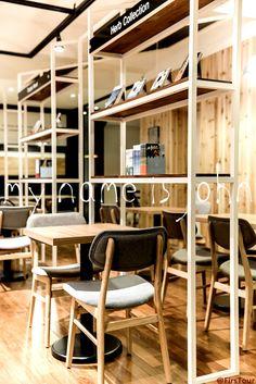 마이네임이즈존에서 디자인 및 시공을 한 퍼스트펭귄 카페 인테리어입니다. - 인테리어 비교 견적에서 공사관리까지 인테리어의 모든 것을 함께 하는 스마트 인테리어