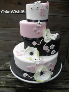 Wedding cake Black, white & pink