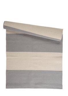 STEN stribet tæppe 80 x 160, hvid/lysegrå  www.houseofbk.com