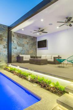 Pergola Ideas For Patio Modern Pool House, Modern Pools, Backyard Pool Designs, Small Backyard Pools, Design Exterior, Terrace Design, Outdoor Kitchen Design, Dream House Exterior, Bungalows