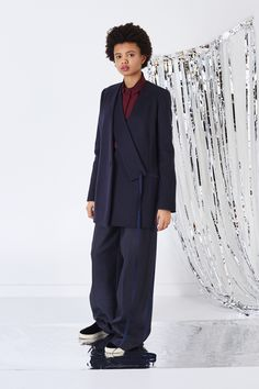 See the complete Ports 1961 Pre-Fall 2016 collection.